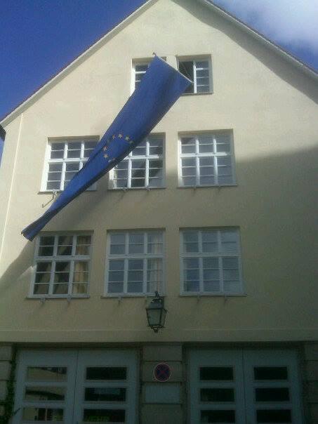 Rathaus Bebenhausen mit Europafahne